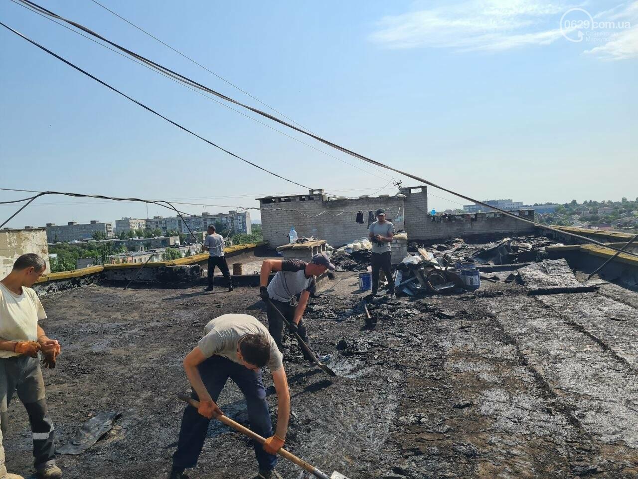 Эхо непогоды! В Мариуполе внепланово ремонтируют пострадавшую от ливня многоэтажку, - ФОТО, фото-8