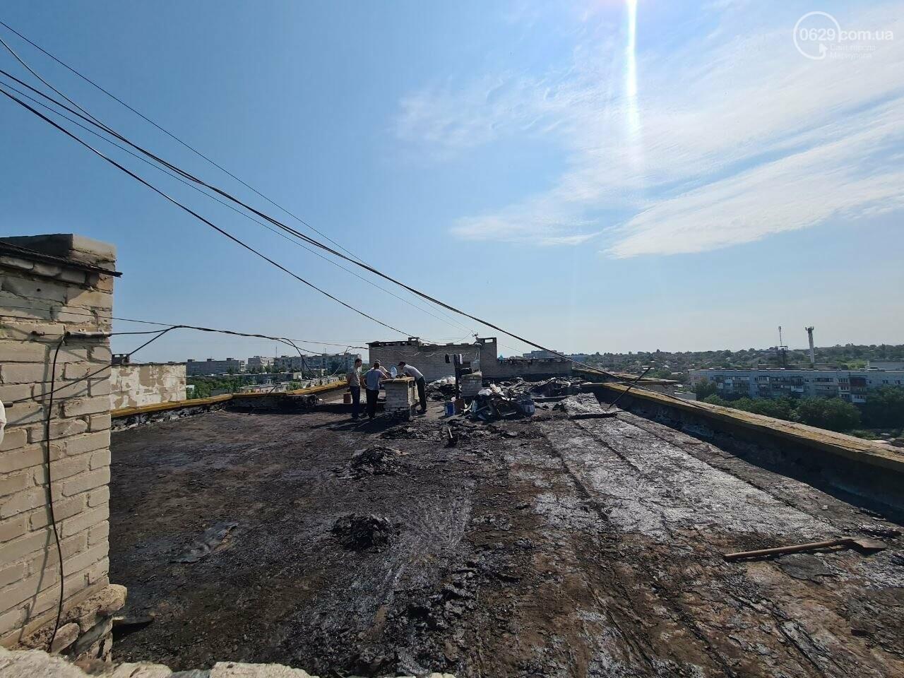Эхо непогоды! В Мариуполе внепланово ремонтируют пострадавшую от ливня многоэтажку, - ФОТО, фото-10