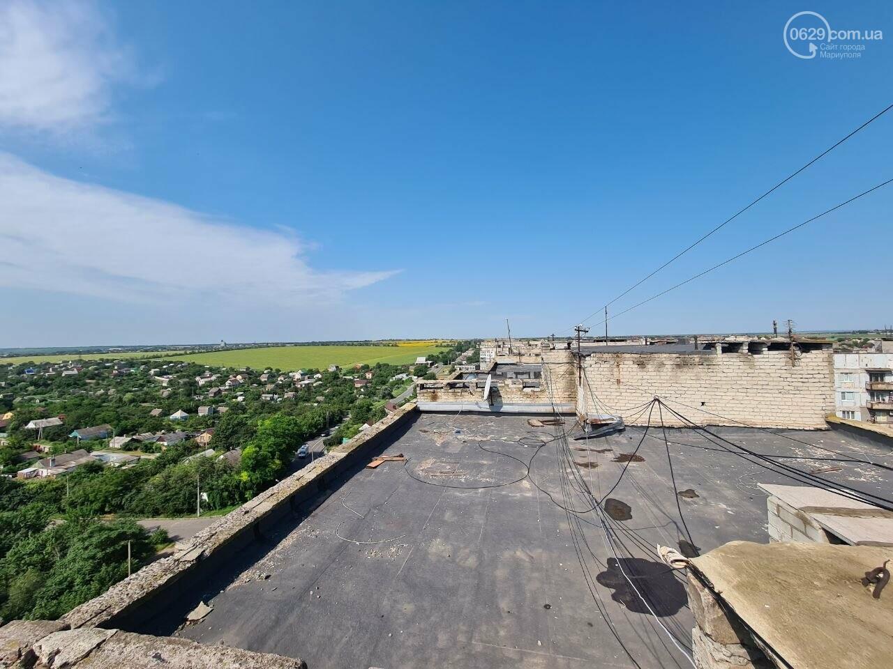 Эхо непогоды! В Мариуполе внепланово ремонтируют пострадавшую от ливня многоэтажку, - ФОТО, фото-11