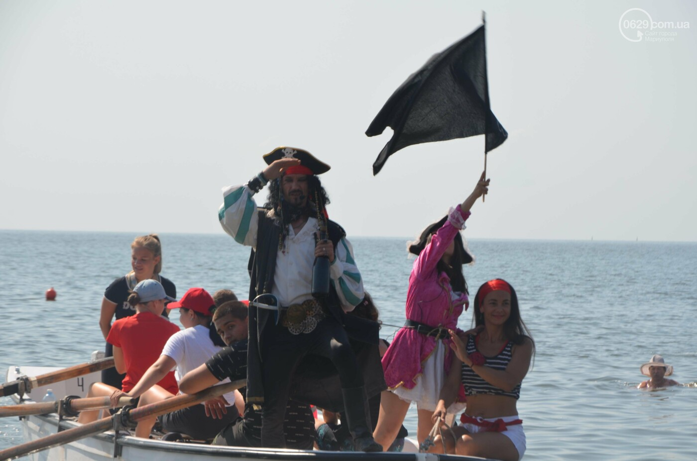 Дискотека, пираты и обливание.  Как  в Мариуполе отметили День Нептуна, - ФОТОРЕПОРТАЖ, фото-5