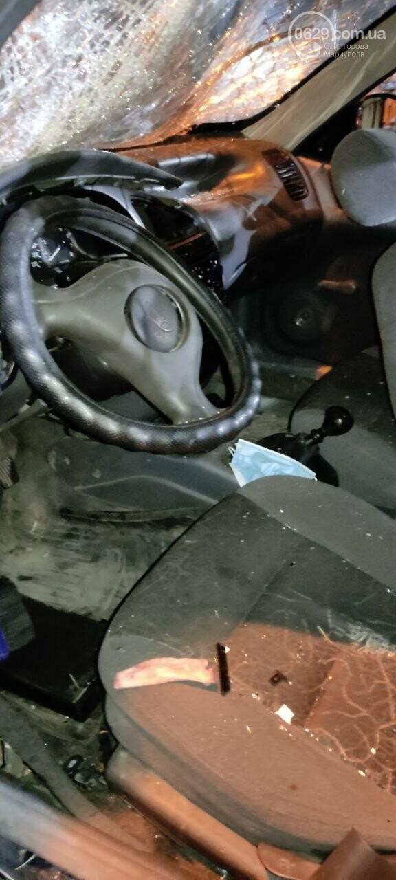 В Мариуполе пьяный водитель врезался в трансформаторную будку, забор автостоянки и столб. Двое пострадавших, - ФОТО , фото-18