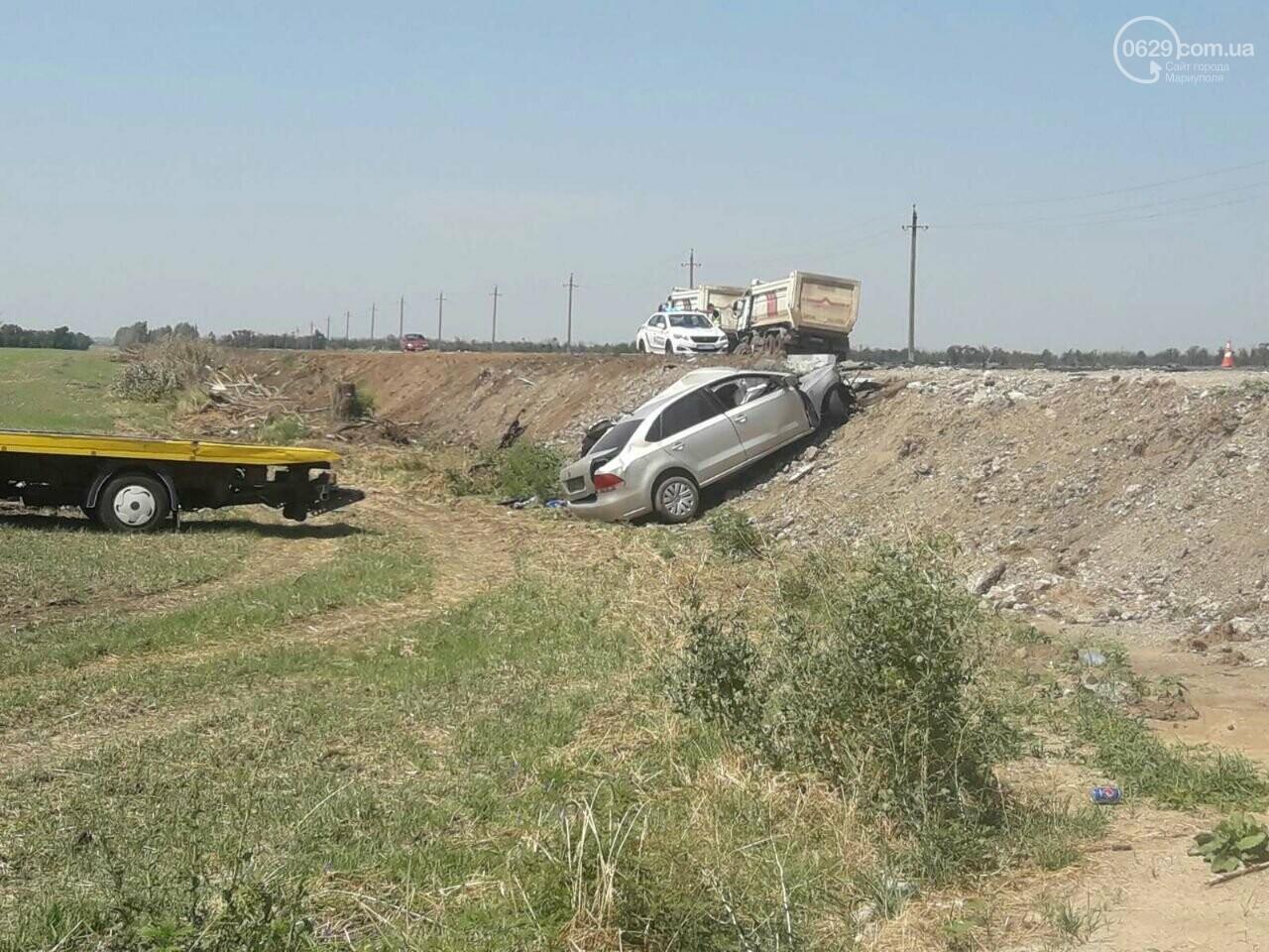 Смертельное ДТП. Под Мариуполем  грузовик протаранил легковушку, - ФОТО, фото-1