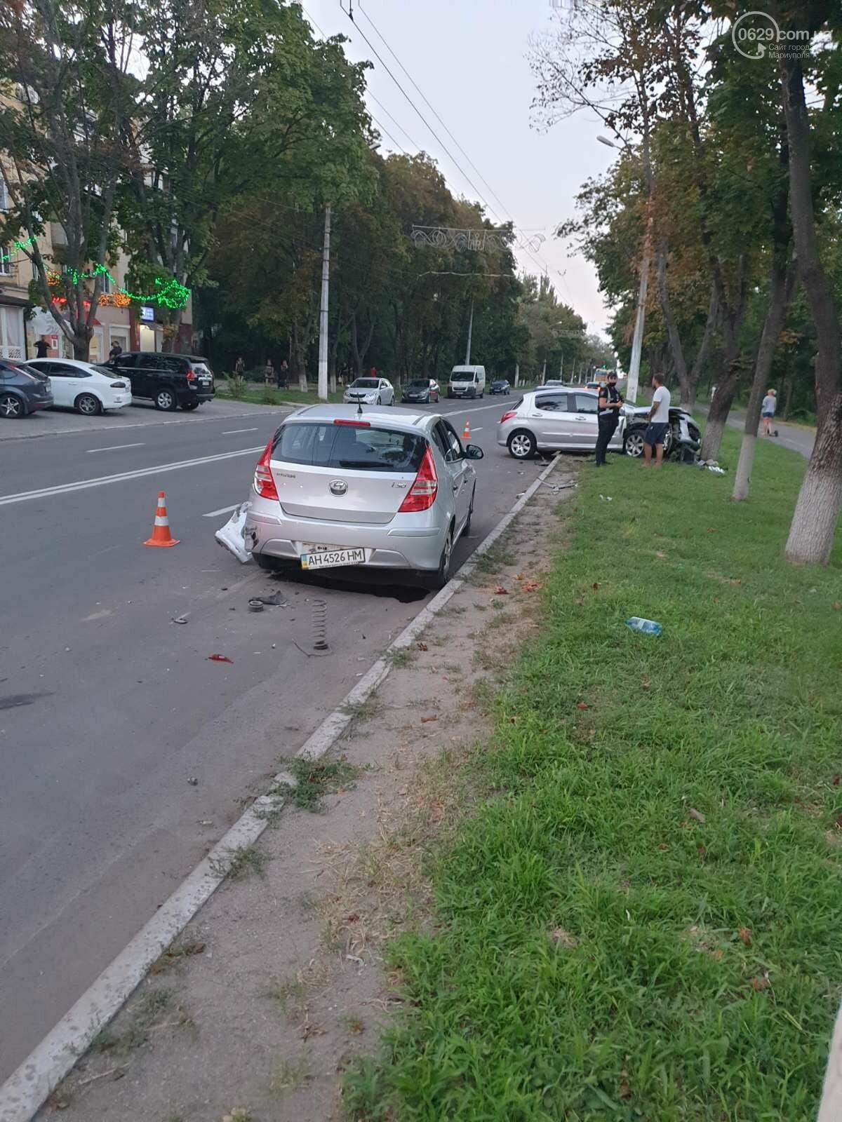 """В Мариуполе автомобиль """"Пежо"""" врезался в дерево, - ФОТО, фото-6"""