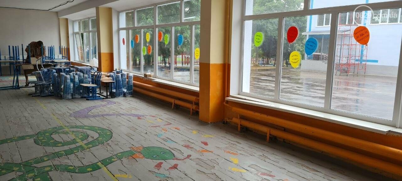 Туалеты с инсталляцией и новые столовые. Как в Мариуполе модернизируют старые школы, - ФОТОРЕПОРТАЖ, ВИДЕО, фото-12