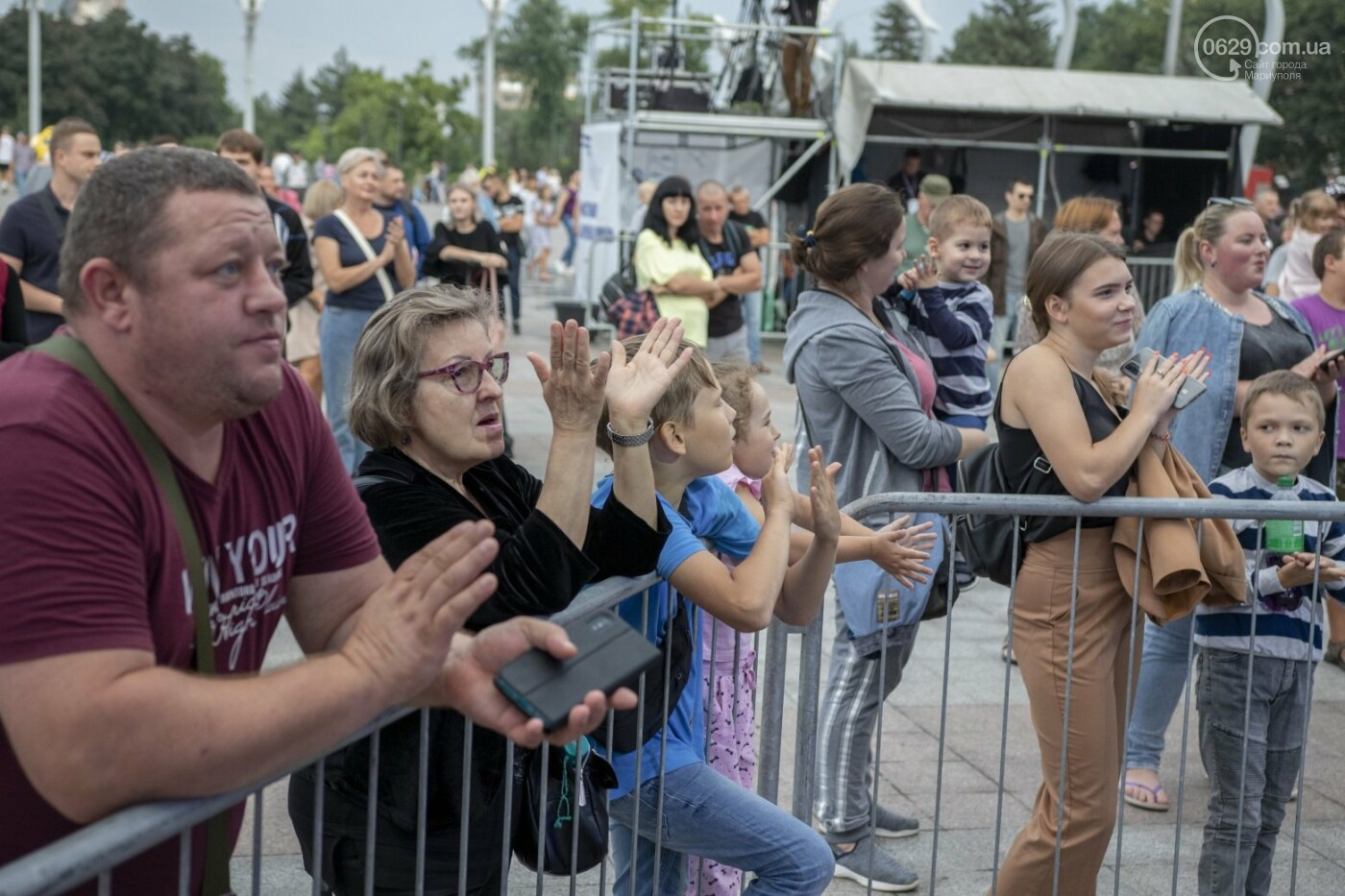 Как в Мариуполе склеивали страну. ФОТОРЕПОРТАЖ с фестиваля «З країни – в Україну», фото-42