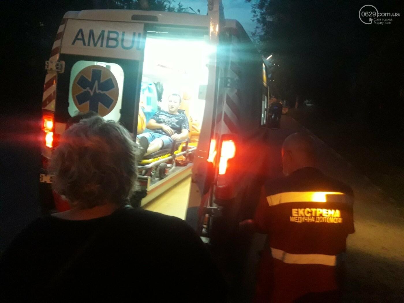 В Мариуполе на улице Громовой ВАЗ  врезался в столб , -ФОТО, фото-2