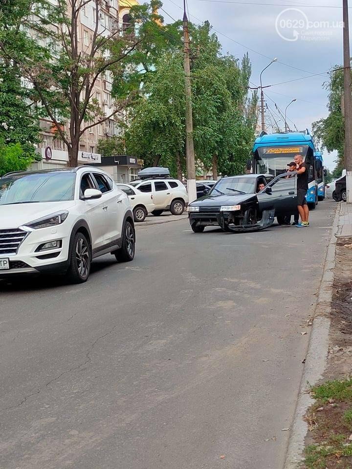 В центре Мариуполя  авария лишила МТТУ выручки ,- ФОТО, фото-1