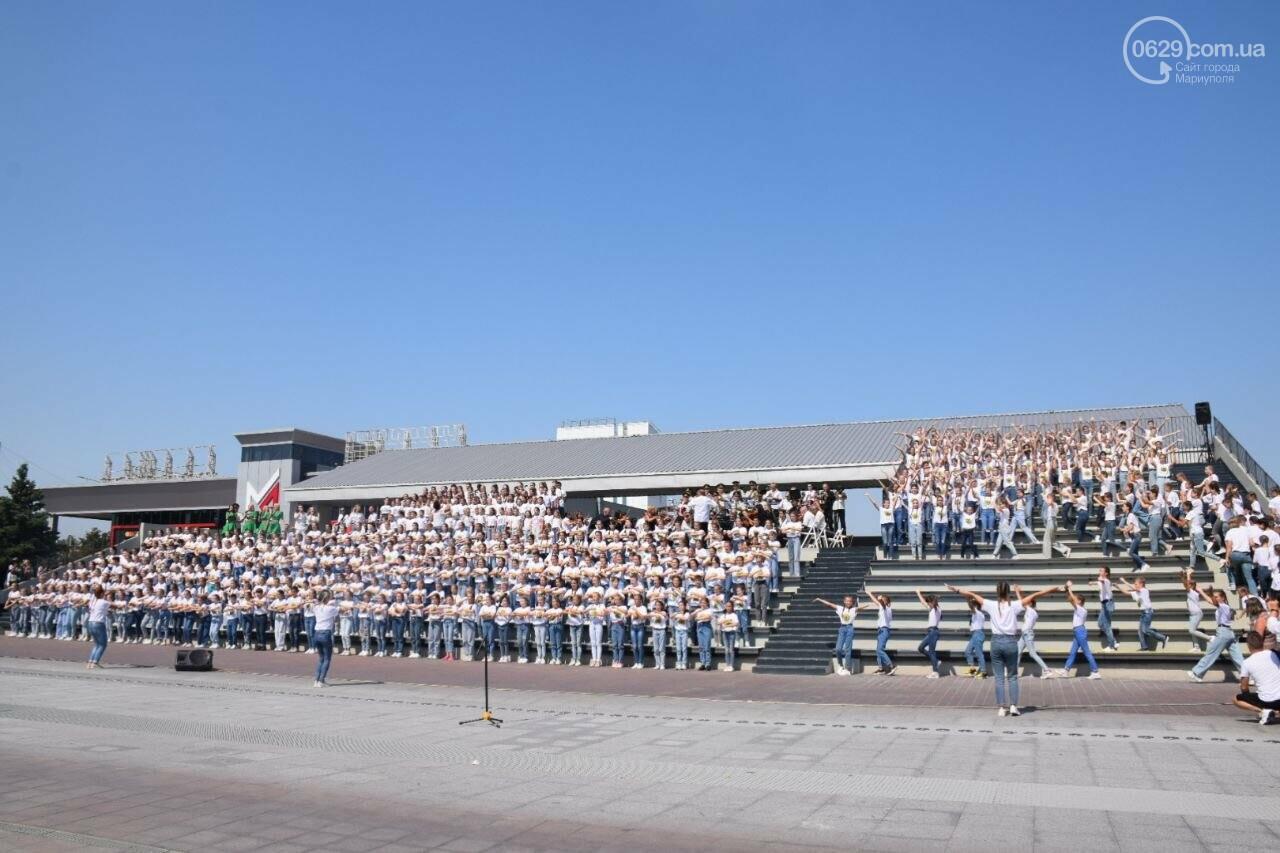 В Мариуполе провели необычный флешмоб ко Дню Независимости, - ФОТОРЕПОРТАЖ, ВИДЕО, фото-26