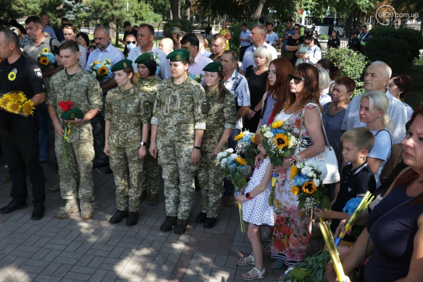 Общенациональная минута молчания. Как в Мариуполе почтили память защитников Украины, - ФОТОРЕПОРТАЖ, фото-14