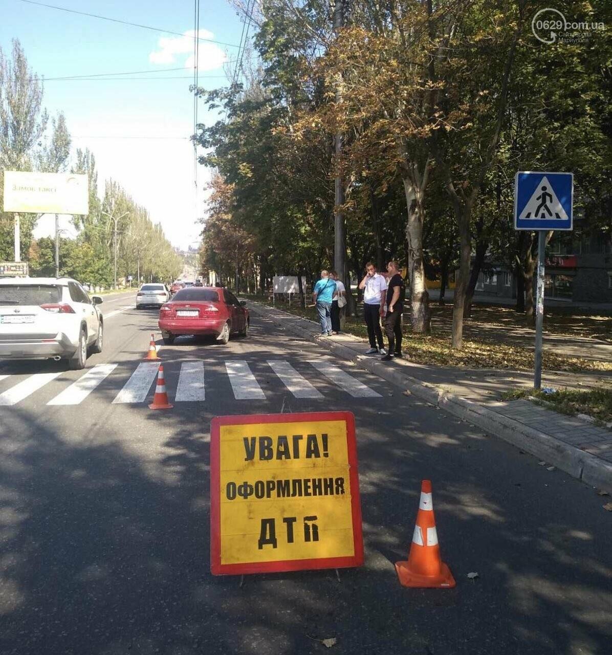В Мариуполе автомобиль сбил пенсионерку. Женщина в больнице, - ФОТО, фото-2