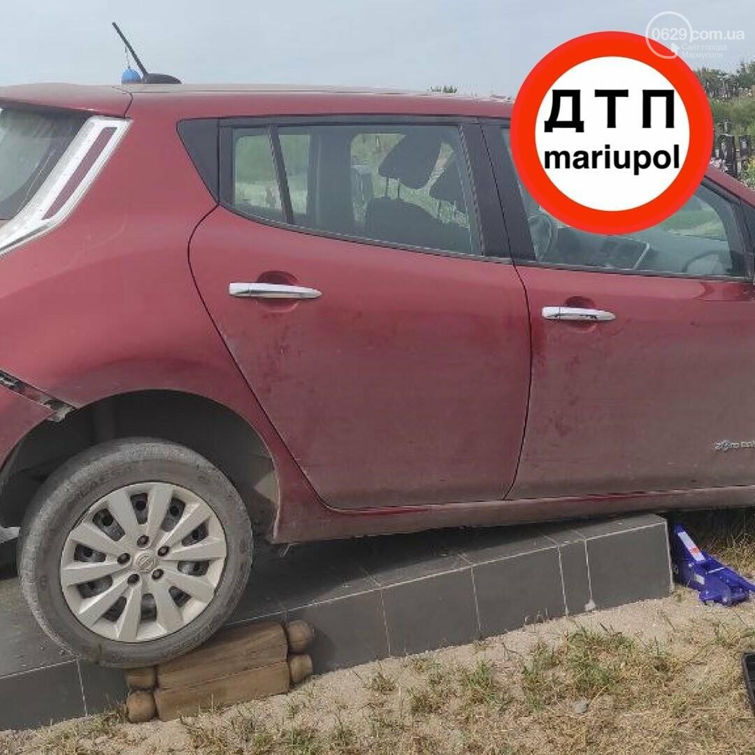 Мариуполец на машине сбил памятник, - ФОТО , фото-3
