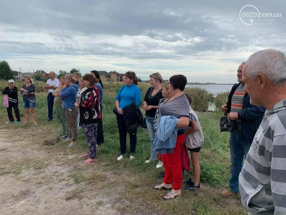 Зачем семья мариупольского предпринимателя завалила мусором берег Белосарайской косы, - ФОТО, фото-5