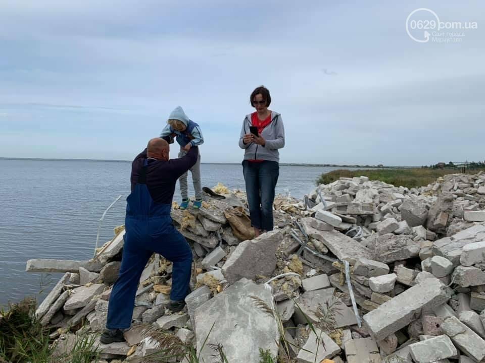 Зачем семья мариупольского предпринимателя завалила мусором берег Белосарайской косы, - ФОТО, фото-3