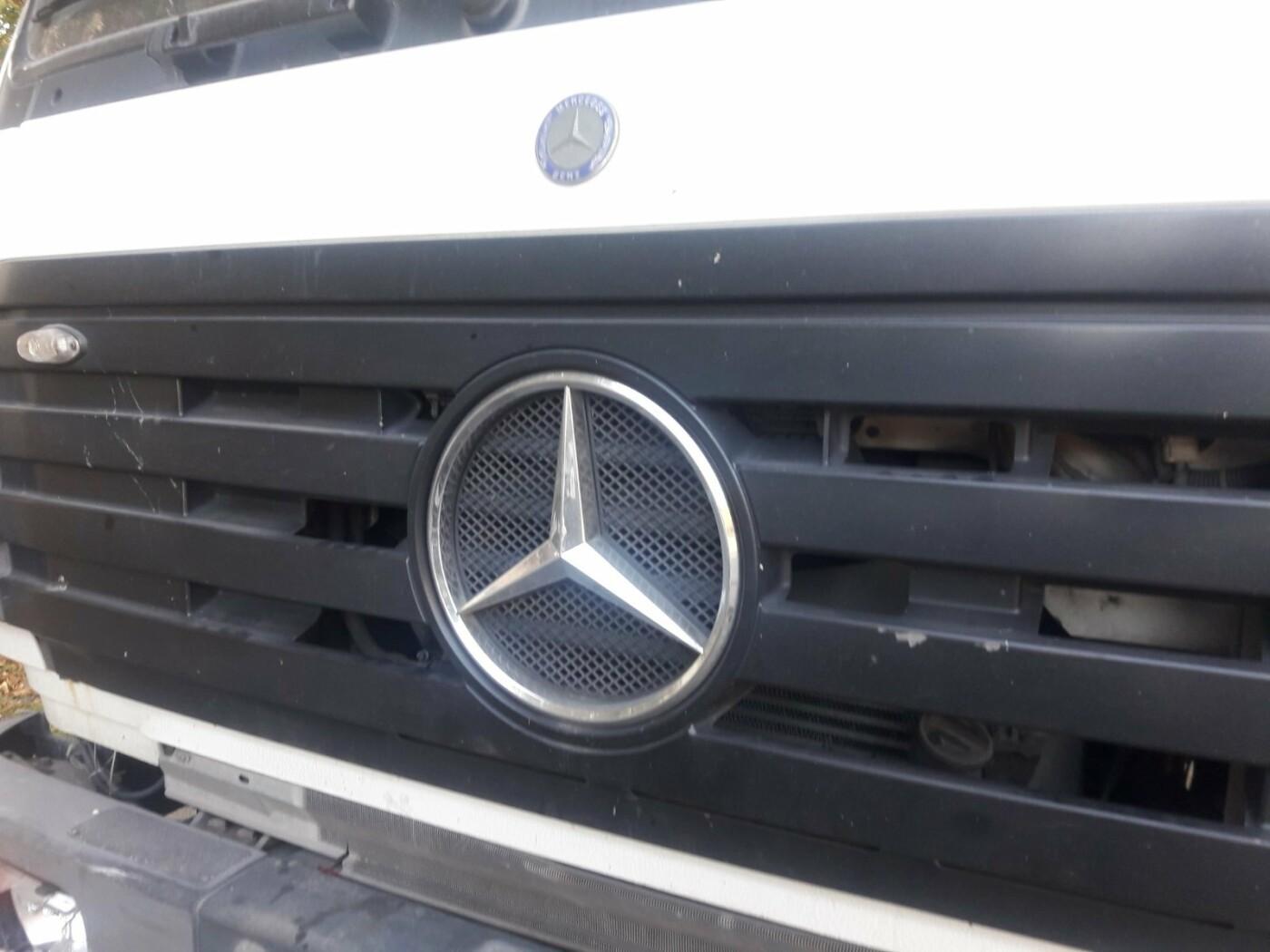 В Мариуполе грузовик догнал легковушку, - ФОТО, фото-2