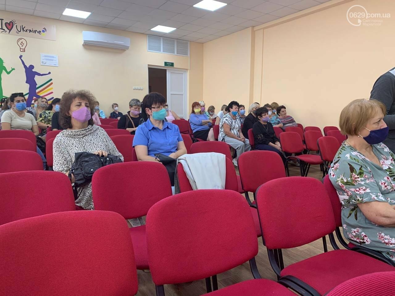 Медики вмовляють вчителів у Маріуполі вакцинуватися, - ФОТО, фото-6