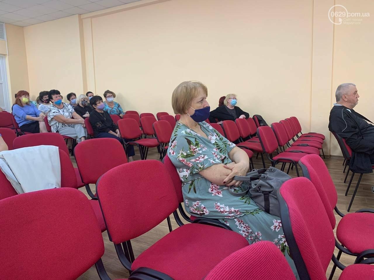 Медики вмовляють вчителів у Маріуполі вакцинуватися, - ФОТО, фото-3