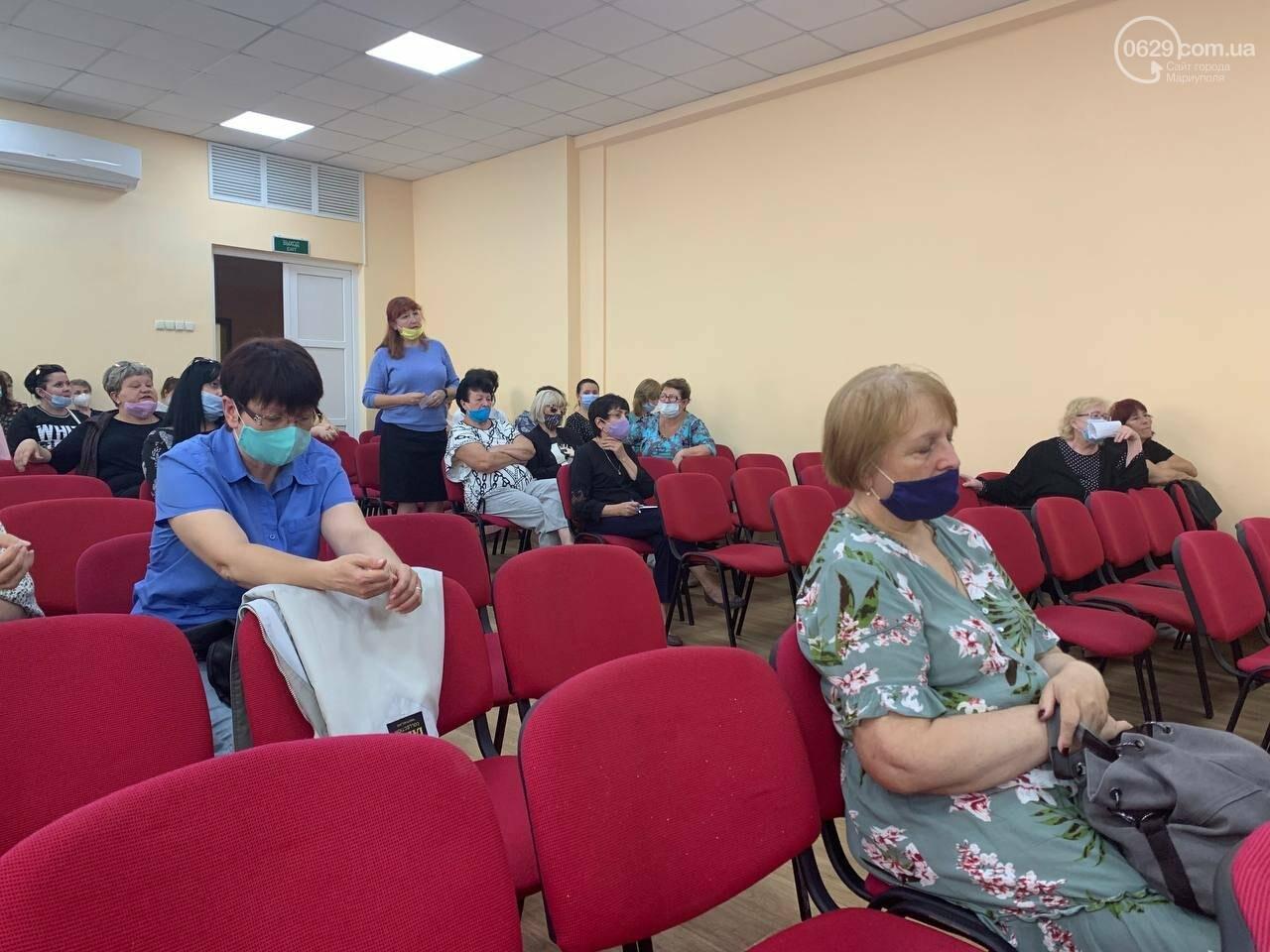 Медики вмовляють вчителів у Маріуполі вакцинуватися, - ФОТО, фото-5