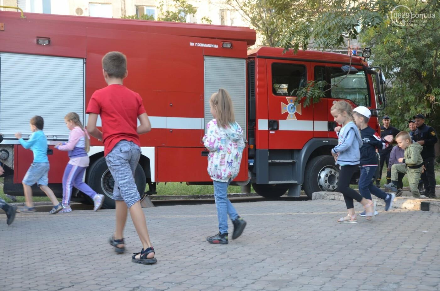 В Мариуполе отпраздновали День двора на пожарной машине, - ФОТО, фото-13