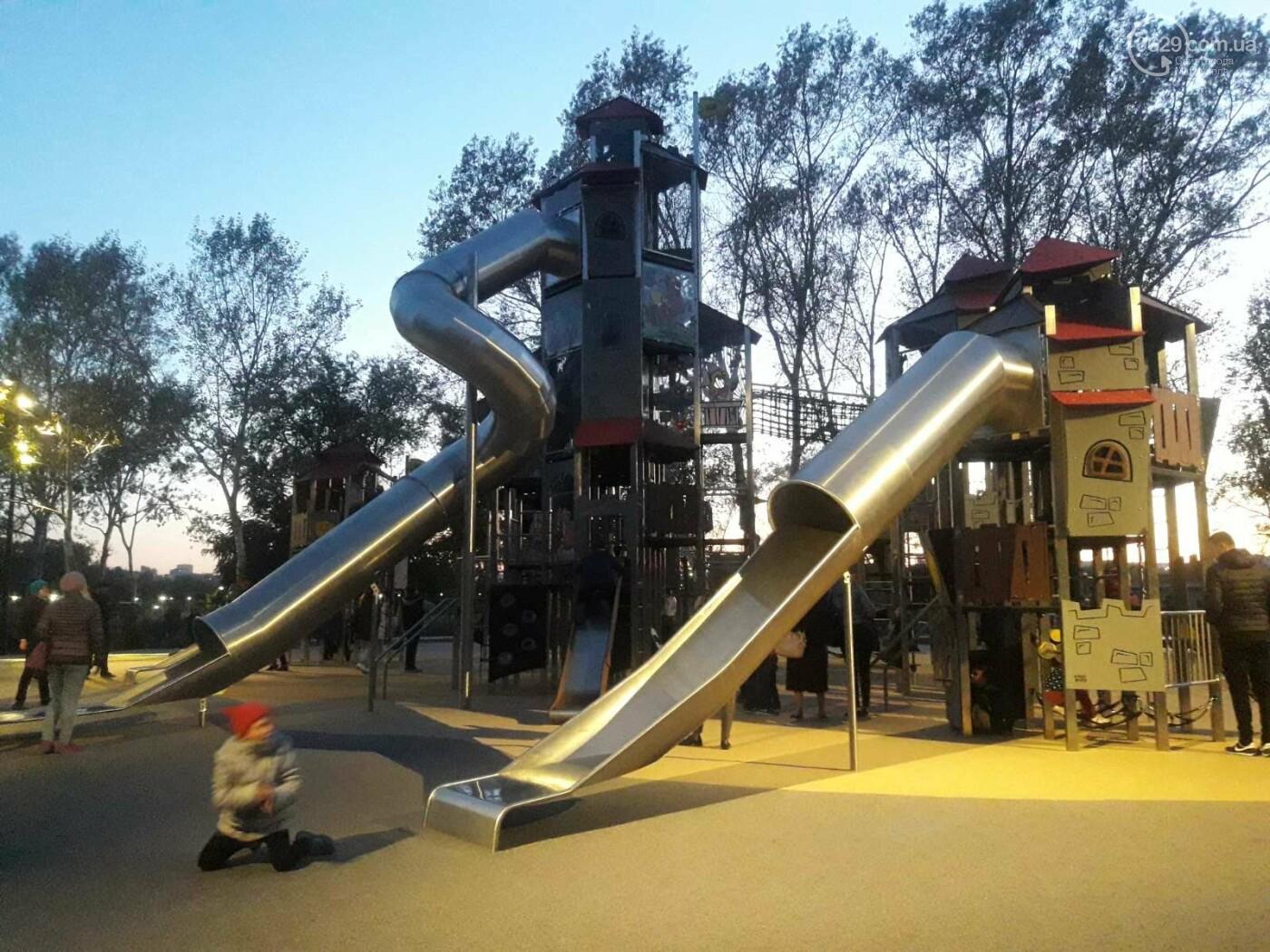 В Мариуполе в парке Гурова на детской площадке травмировался ребенок, - ФОТО, фото-7