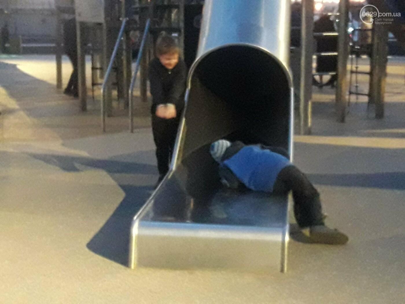 В Мариуполе в парке Гурова на детской площадке травмировался ребенок, - ФОТО, фото-10