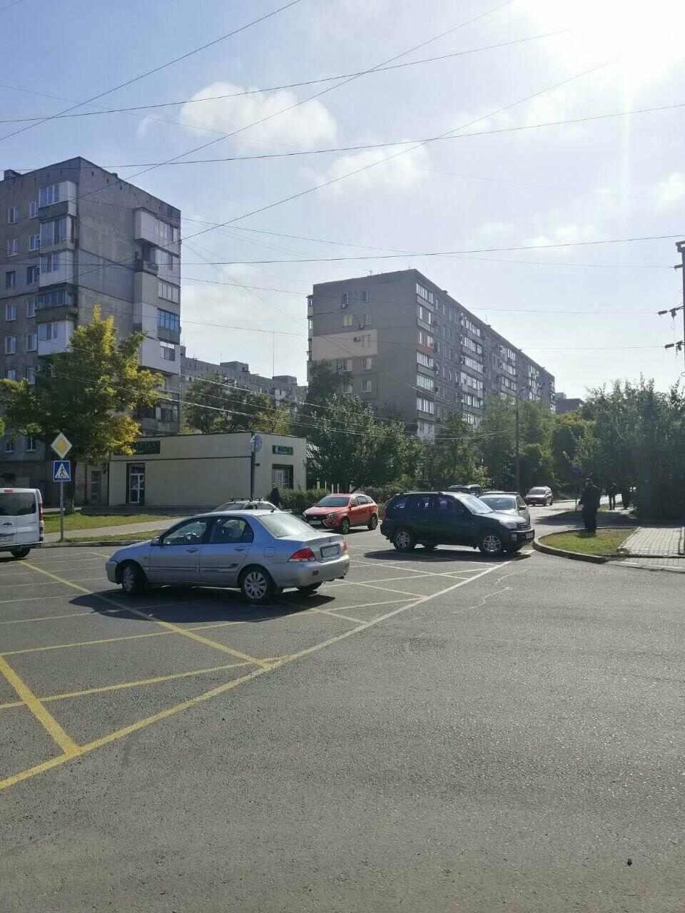 На коробчатой разметке в Мариуполе произошло тройное ДТП, - ФОТО, фото-1