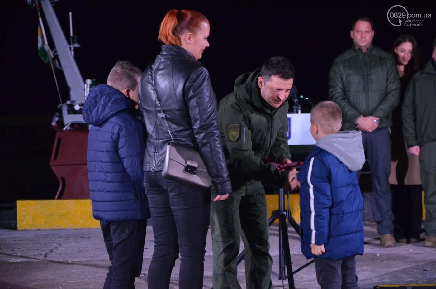 В Мариуполе Владимир Зеленский поздравил защитников и защитниц Украины,- ФОТО, ВИДЕО, фото-3