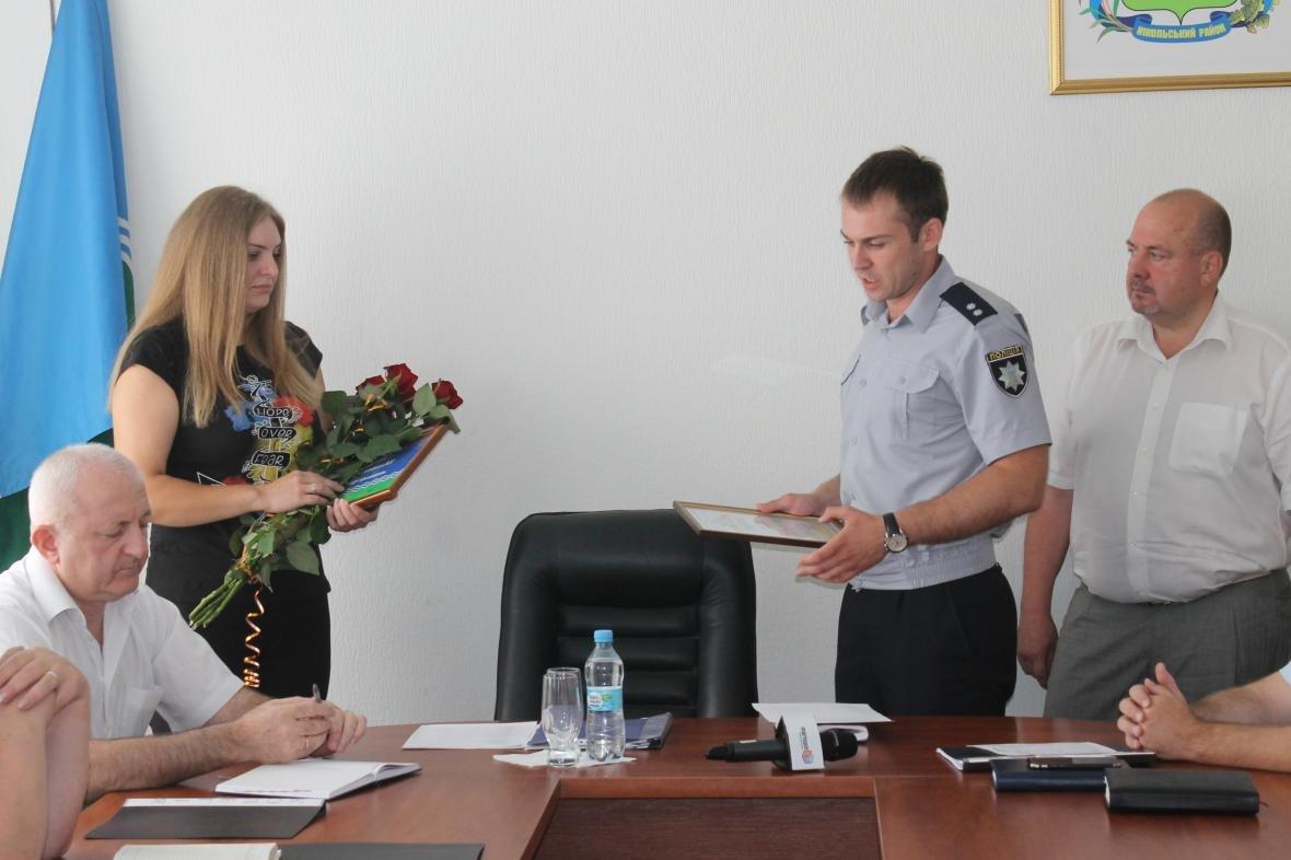 В Никольском полиция наградила девушку, которая остановила пьяного водителя и забрала ключи от авто, фото-6
