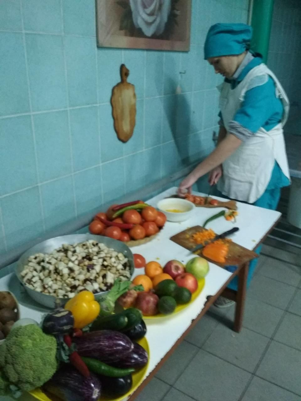 В Приазовской колонии угостили заключенных крещенским обедом (ФОТО), фото-4