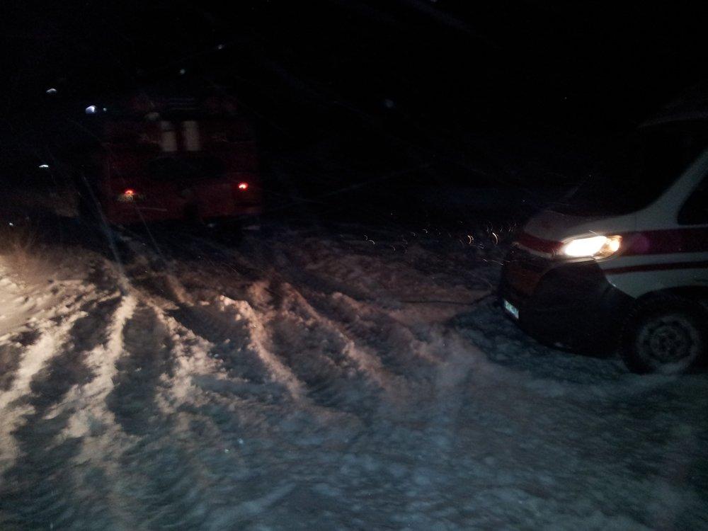 В Донецкой области спасатели 46 раз доставали автомобили из снежных заносов , фото-11