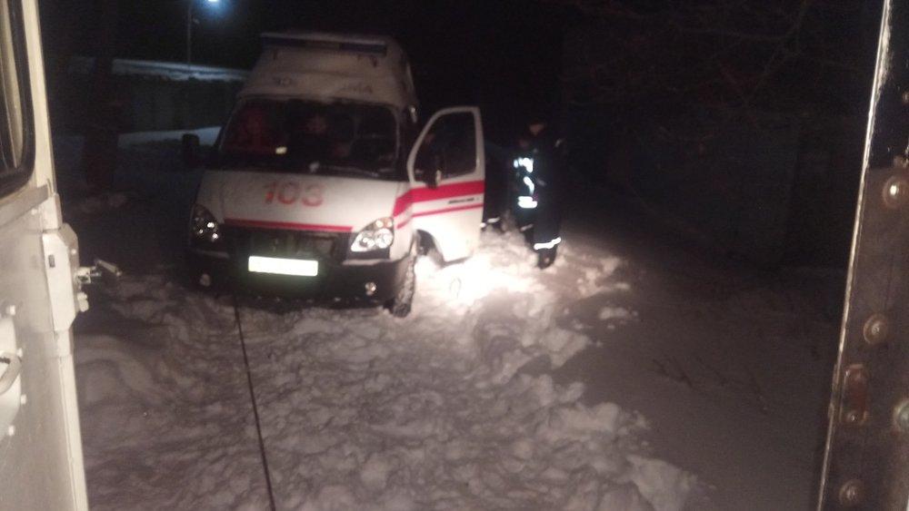 В Донецкой области спасатели 46 раз доставали автомобили из снежных заносов , фото-8