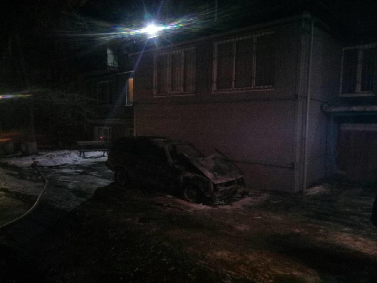 В Мариуполе в сгоревшем автомобиле обнаружили труп (ФОТО), фото-2