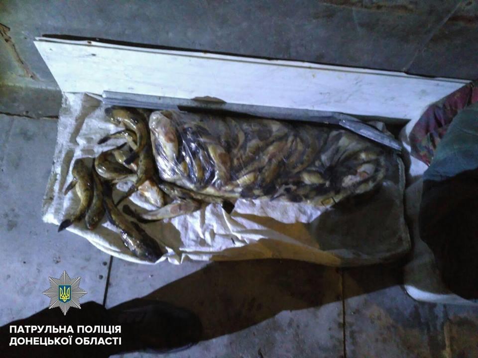 В Мариуполе патрульные задержали микроавтобус с 30 ящиками рыбы (ФОТО), фото-4