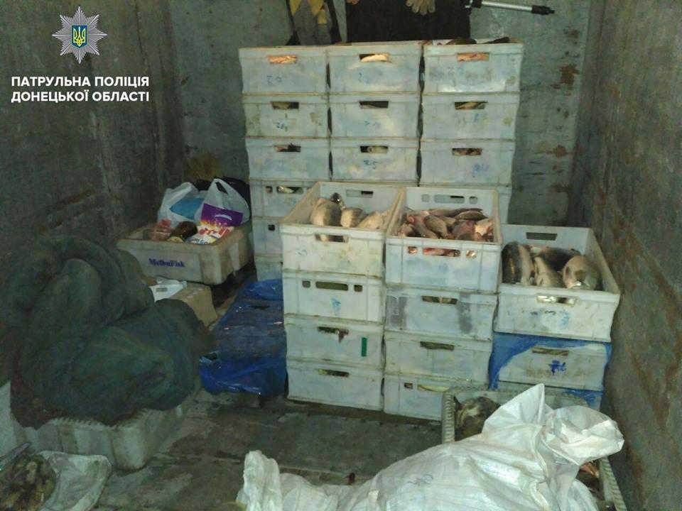 В Мариуполе патрульные задержали микроавтобус с 30 ящиками рыбы (ФОТО), фото-3