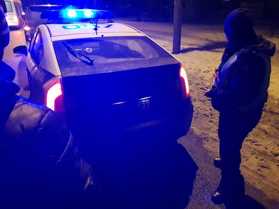 У кого чище? В Мариуполе стронгмен Лашин померился с патрульными грязными номерами авто (ФОТО, ВИДЕО), фото-6