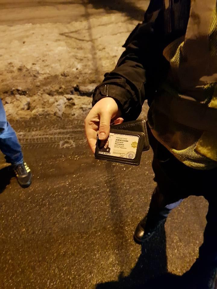 У кого чище? В Мариуполе стронгмен Лашин померился с патрульными грязными номерами авто (ФОТО, ВИДЕО), фото-5