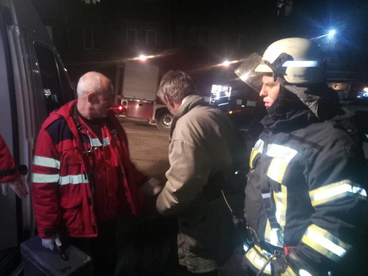 В Мариуполе из-за пожара на кухне пострадал мужчина (ФОТО), фото-3