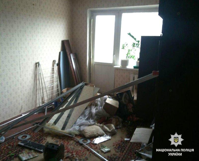 В Мариуполе спасли 5-летнего мальчика, запертого отцом в квартире (ФОТО), фото-4