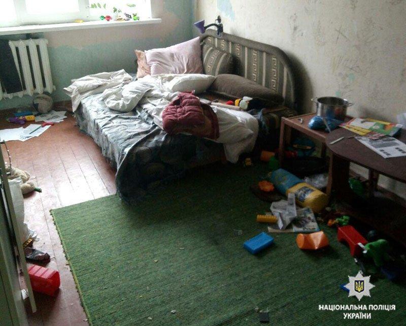 В Мариуполе спасли 5-летнего мальчика, запертого отцом в квартире (ФОТО), фото-2