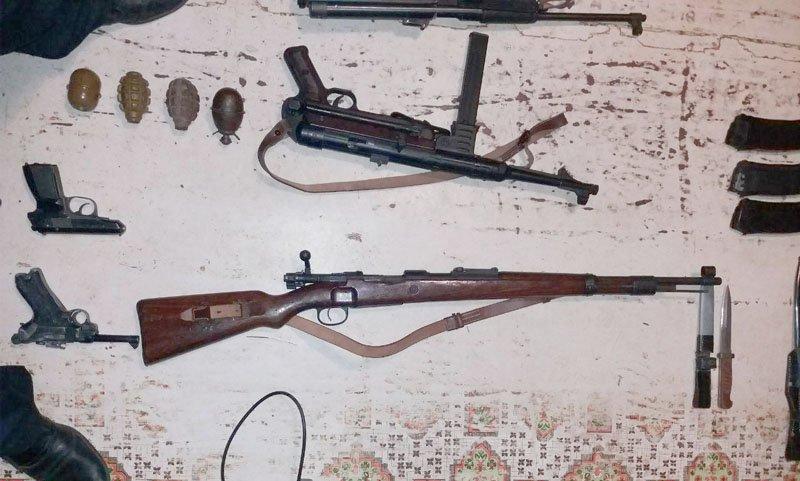 У мариупольца полиция изъяла арсенал оружия времен Второй мировой войны (ФОТО), фото-2