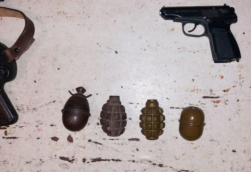 У мариупольца полиция изъяла арсенал оружия времен Второй мировой войны (ФОТО), фото-5