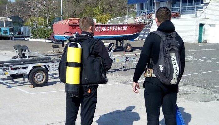 В Мариуполе со дна Кальчика достали причальный понтон (ФОТО), фото-4