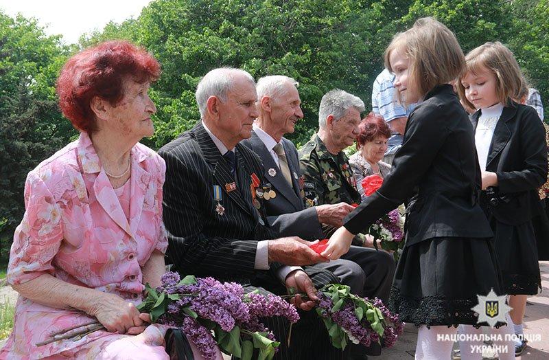 В Мариуполе почтили память погибших во Второй мировой войне (ФОТО), фото-6