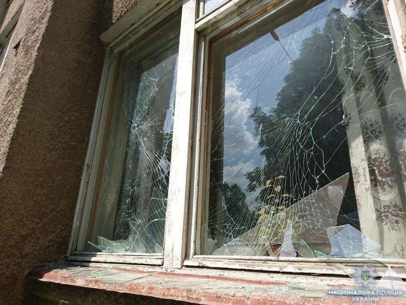 В Донецкой области террористы обстреляли школу, - ФОТО, фото-9