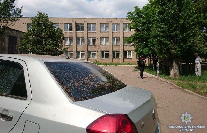 В Донецкой области террористы обстреляли школу, - ФОТО, фото-5