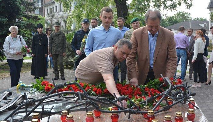 Мариупольцы почтили память жертв политических репрессий, - ФОТО, фото-6