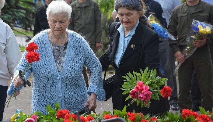 Мариупольцы почтили память жертв политических репрессий, - ФОТО, фото-5