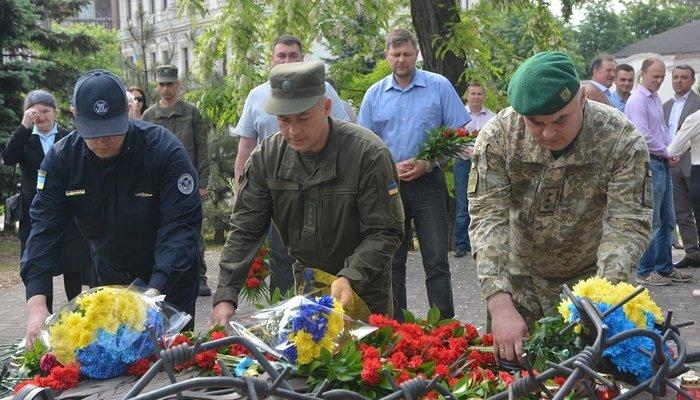 Мариупольцы почтили память жертв политических репрессий, - ФОТО, фото-10