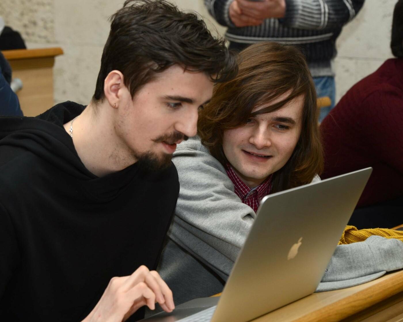 Борис Колесников и его Фонд поощрят молодых программистов поездкой в Японию, фото-2