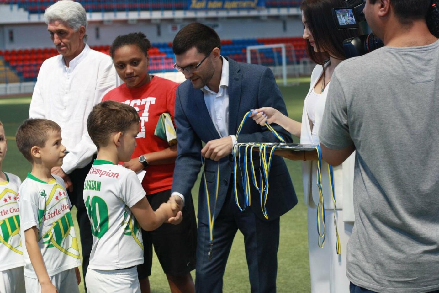 3 июня состоялось торжественное закрытие турнира по футболу под эгидой партии «ОСНОВА» г. Мариуполя, фото-4
