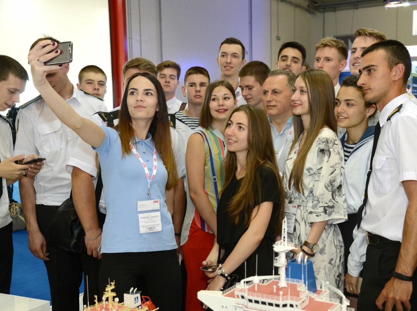 Борис Колесников показал студентам Мариуполя выставку Posidonia в Греции, фото-4